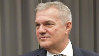 Румен Петков подхвана Красимир Каракачанов