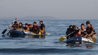 1500 мигранти напускат Лесбос, но нови 300 пристигнаха на острова