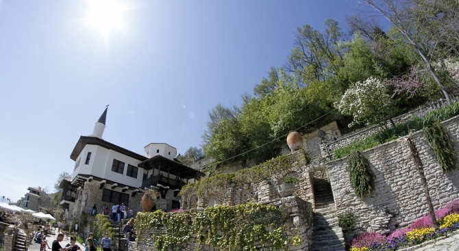 "Забележителностите в ""Двореца"" в Балчик привличат туристи от Япония, Китай, Корея"