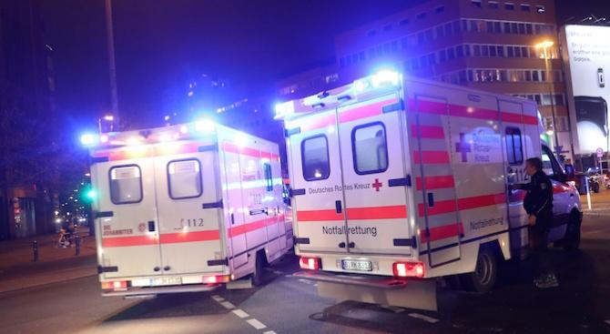 Трима души загинаха, след като подвижна платформа за техническо обслужване