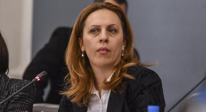 Заместник министър-председателят по икономическата и демографска политика Марияна Николова ще