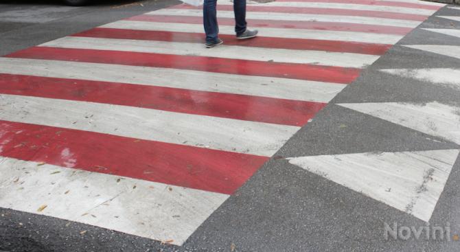 Възрастна жена пострада на пешеходна пърека във Враца, съобщават от