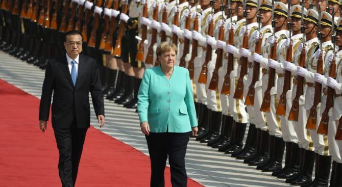 Германската канцлерка Ангела Меркел каза днес, че е обсъждала темата