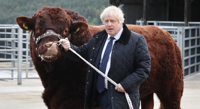 Британски депутати, включително и тези, които премиерът Борис Джонсън изключи