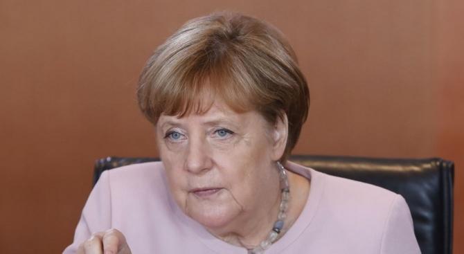 """Германската канцлерка Ангела Меркел нарече днес """"знак за надежда"""" историческата"""