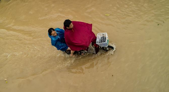 Тайфунът Линлин взе пет жертви в Северна и три в Южна Корея