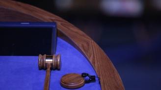 Съдът решава дали да остави в ареста двама от задържаните за лихварство в София