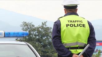 Водач на лек автомобил избяга от полицейска проверка