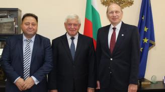 Министър Ананиев се срещна с президента на Световната медицинска асоциация