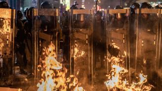 Властите на Хонконг взеха превантивни мерки, за да попречат на демонстранти да протестират на летището