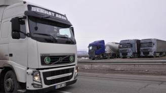 Ограничава се движението на камиони над 12 тона по автомагистралите утре