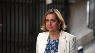 Британският министър на труда  Амбър Ръд  хвърли оставка