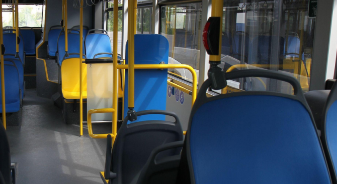 Пътнички пострадаха при рязко спиране на автобус на градския транспорт в Пловдив