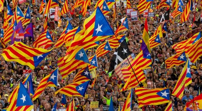 Близо 600 000 поддръжници на независимостта на Каталуния участваха в демонстрация в Барселона