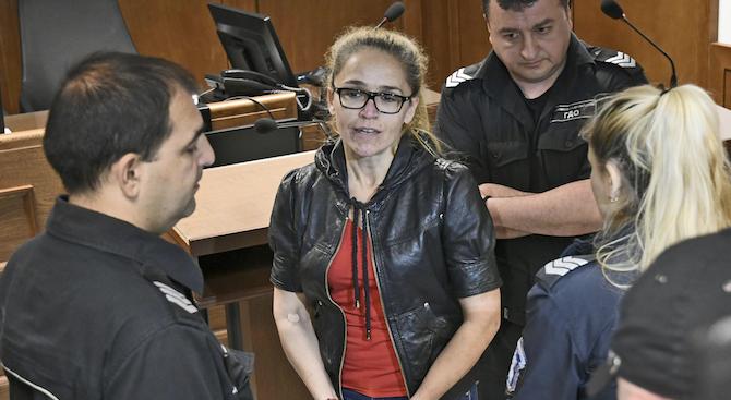 """Бившата кметица на """"Младост"""" Десислава Иванчева, която е подсъдима за"""