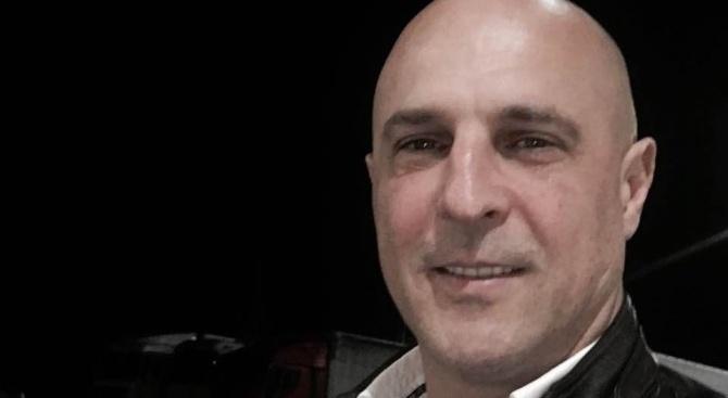 """Лидерът на """"Глас Народен"""" Светльо Витков използва социалната мрежа """"Фейсбук"""","""