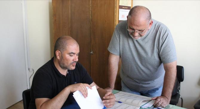 Областният координатор на ГЕРБ-Габрово Цветомир Михов регистрира в Общинската избирателна