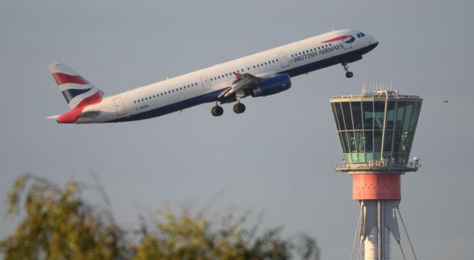 """Най-натовареното летище във Великобритания заяви днес, че """"работи в пълна"""