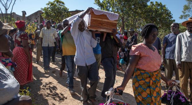 Бившият президент на Зимбабве Робърт Мугабе ще бъде погребан на