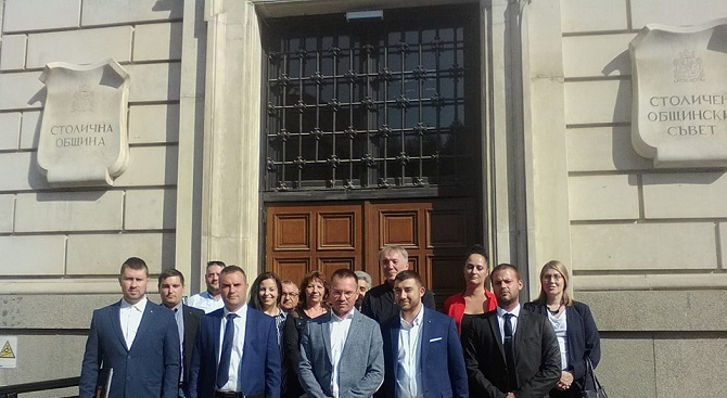 Джамбазки регистрира ВМРО в ОИК за местните избори
