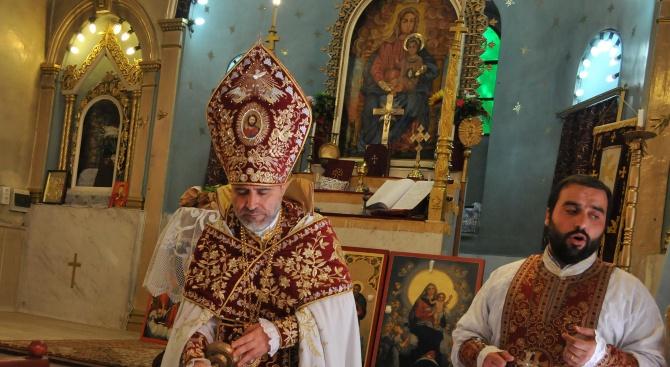 """Арменската общност в Бургас отбеляза храмовия празник на църквата """"Сурп"""