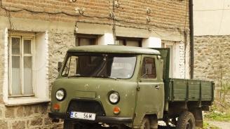 Чужденци броят по 100 лв. за тур с УАЗ-ка