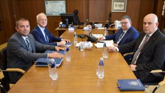 Сотир Цацаров и Иван Гешев се срещнаха с ръководството на АИКБ