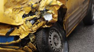 Катастрофа на кръстовище във Варна, има ранен
