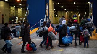 Кораб спаси 34 мигранти от бедстващ плавателен съд в Средиземно море