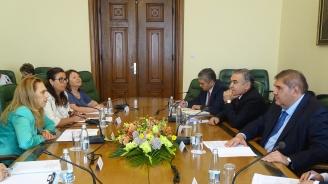 Марияна Николова: Между България и Узбекистан съществуват приятелски отношения