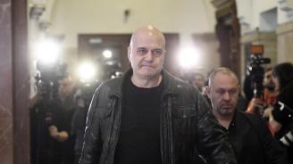 Слави Трифонов: Явно след раздялата си с мен, bTV се нуждаят от психолог
