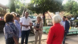 Манолова се срещна с представители на гражданска организация за проблемите на Панчарево и Кокаляне
