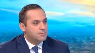 """Емил Караниколов: Ако """"Дунарит"""" излезе на публична продан, държавата ще направи всичко възможно да го придобие"""