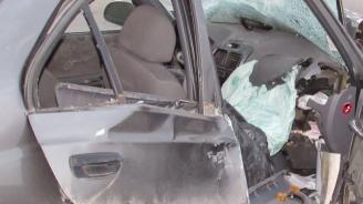 Пиян шофьор заби колата си в дърво на пътя Момчилград-Крумовград