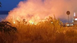 Локализиран е пожарът във вилната зона в Долно Вършило