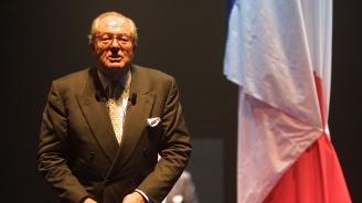 Разпитваха Жан-Мари льо Пен 4 часа, обвиниха го в присвояването на държавни средства