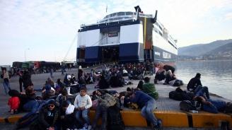 Италия разреши на кораб с мигранти да акостира на остров Лампедуза