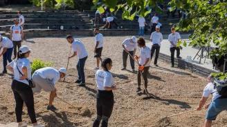 900 доброволци обновиха столичния зоопарк
