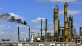 Ударът по най-голямата рафинерия в Саудитска Арабия заплашва световните доставки