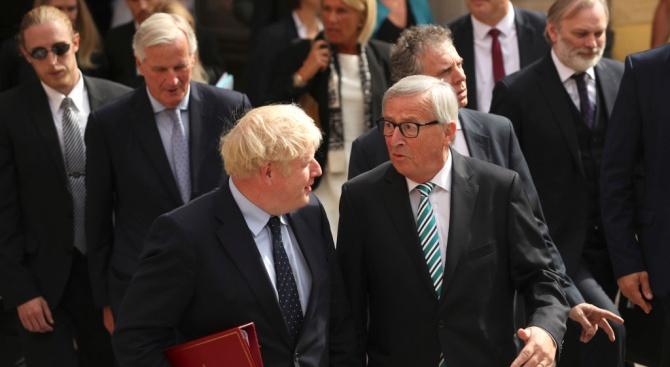 Председателят на ЕК Жан-Клод Юнкер посочи, че първите негови Брекзит