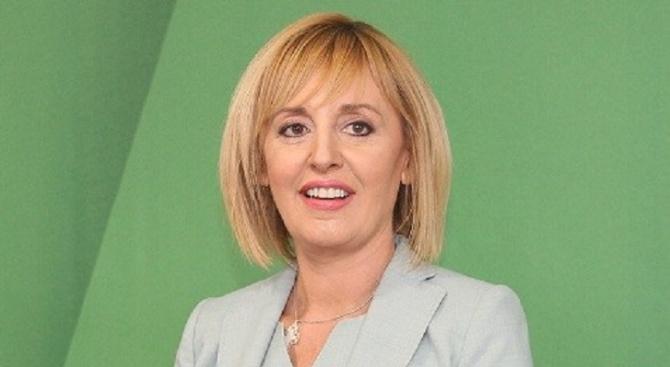 Мая Манолова и ИК внасят подписите за регистрация на местните избори