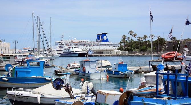 Общогръцка стачка на екипажите на всички категории кораби е обявила