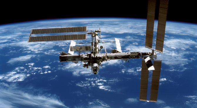 """Пилотираният кораб """"Союз МС-15""""ще лети с новия екипаж до Международната"""