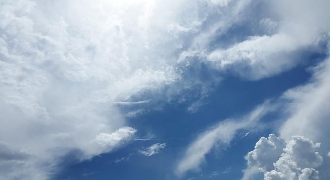 От север-северозапад облачността ще се увеличава и привечер на отделни