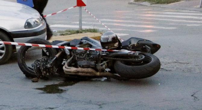 Катастрофа в Благоевград: Мотоциклетист е пострадал