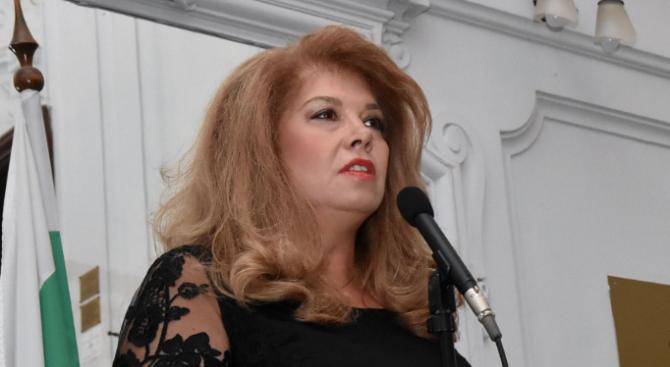 Вицепрезидентът Илияна Йотова ще бъде гост на премиерата на филма