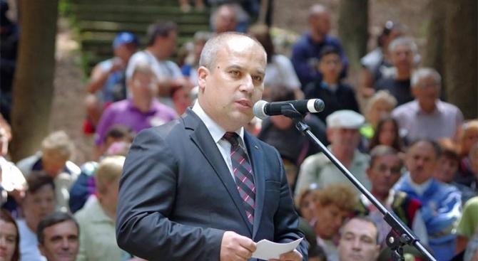 Д-р Чавдар Ангелов е кандидат-кметът от ВМРО в Казанлък
