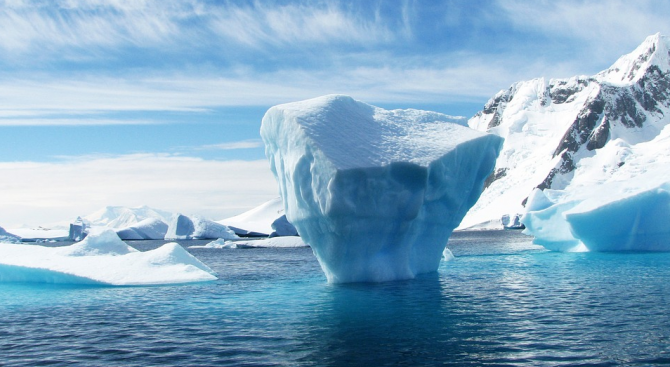 Германски изследователски ледоразбивач днес ще отплава от Норвегия, за да