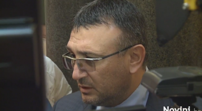 Никога няма да коментирам решение на български съд. Това, което