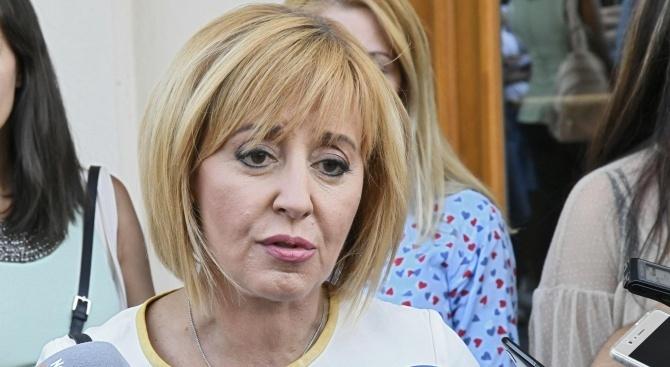 """Мая Манолова вади още две """"бързи"""" поръчки, този път за 80 млн. лева  в Столичната община"""